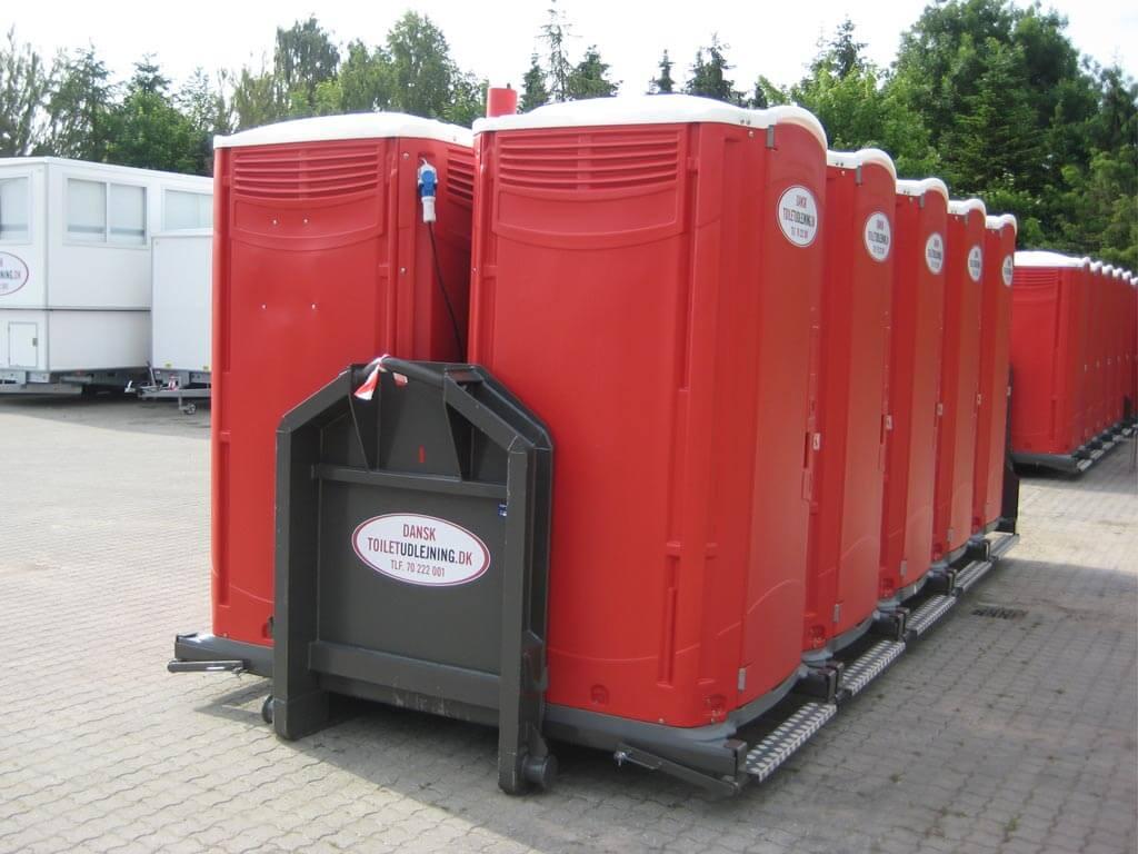 Ramme-med-10-toiletkabiner-med-tank.2