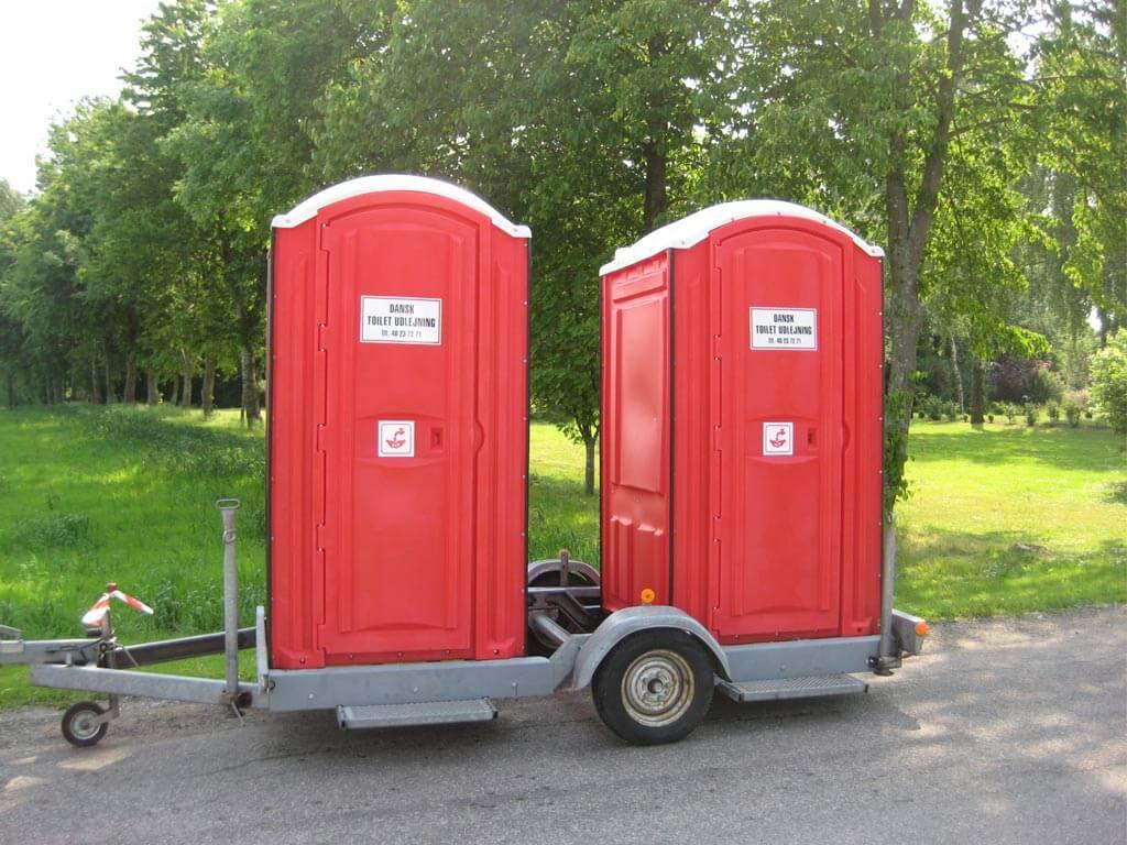 Toiletkabiner-på-trailer