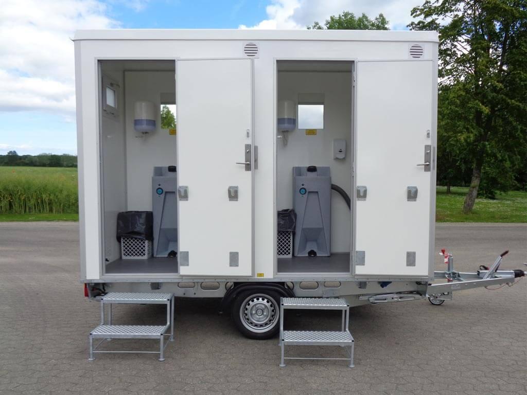 VIP-toiletvogn-m.-4-toiletter